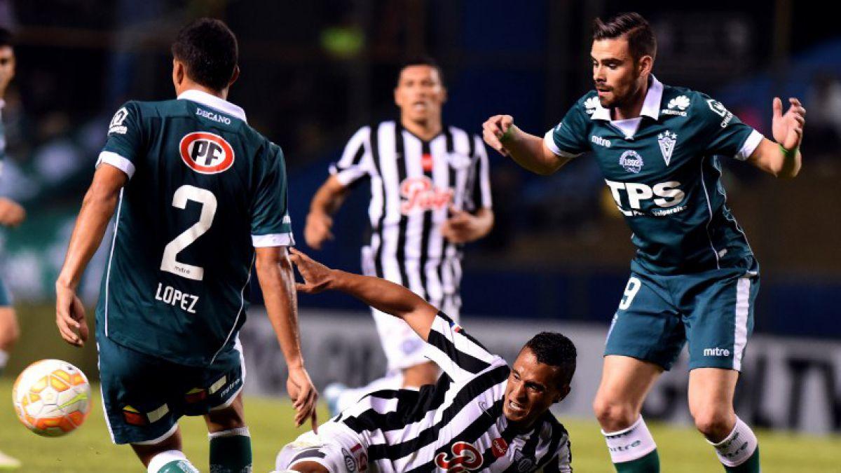 Con dos goles de penal Wanderers pierde ante Libertad y dice adiós a Sudamericana