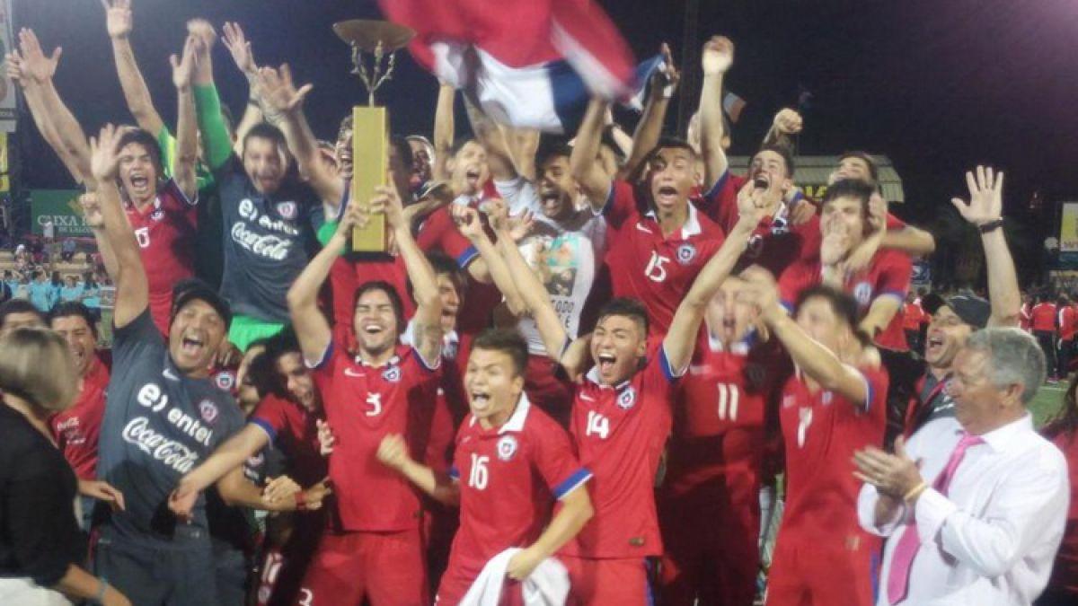 """Así fue el festejo de la """"Roja"""" campeona en España y dos de sus figuras son premiadas"""