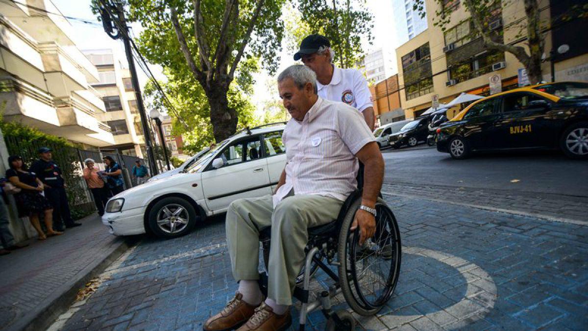 Aprueban resolución para que personas con discapacidad viajen gratis en transporte público