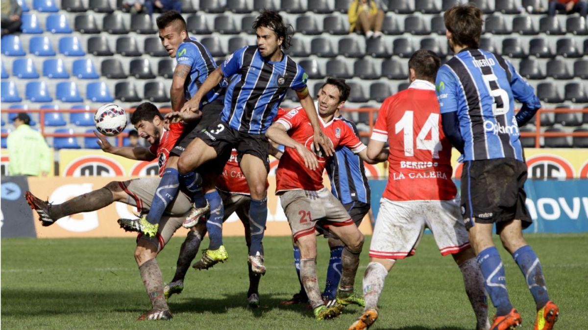 Huachipato y Unión La Calera repartieron puntos en el Estadio CAP