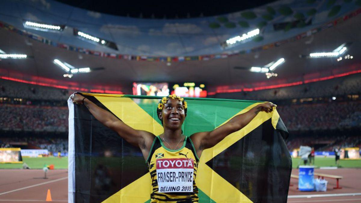 Jamaicana Pryce es la mujer más veloz del mundo al ganar 100 metros planos en Beijing