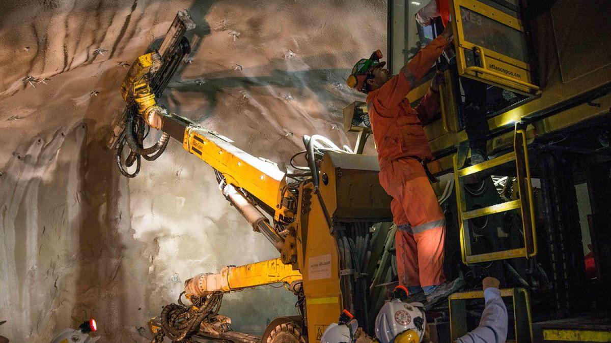 Las carreras más demandadas del sector minero y sus sueldos