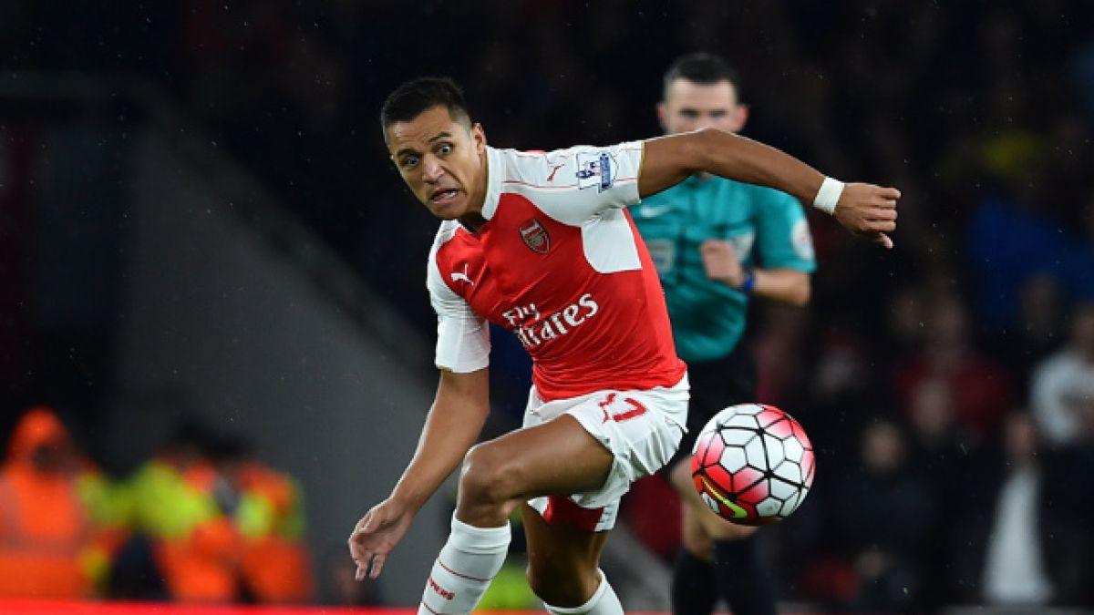 [VIDEO] Alexis tuvo en sus pies la apertura de la cuenta frente a Liverpool