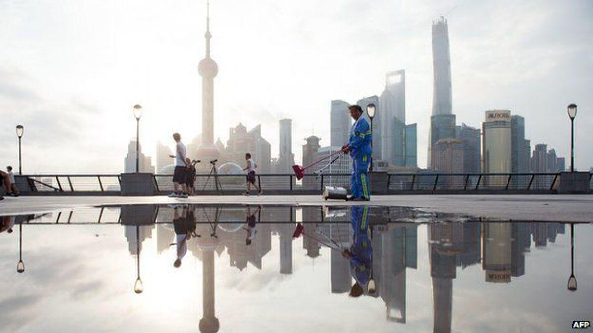 La bolsa de Shanghai fue establecida en 1990.