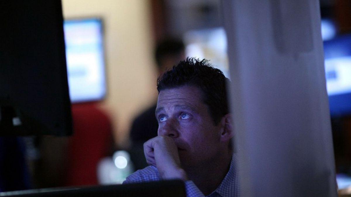 Dow Jones cae más de 200 puntos y Wall Street cierra con cifras negativas