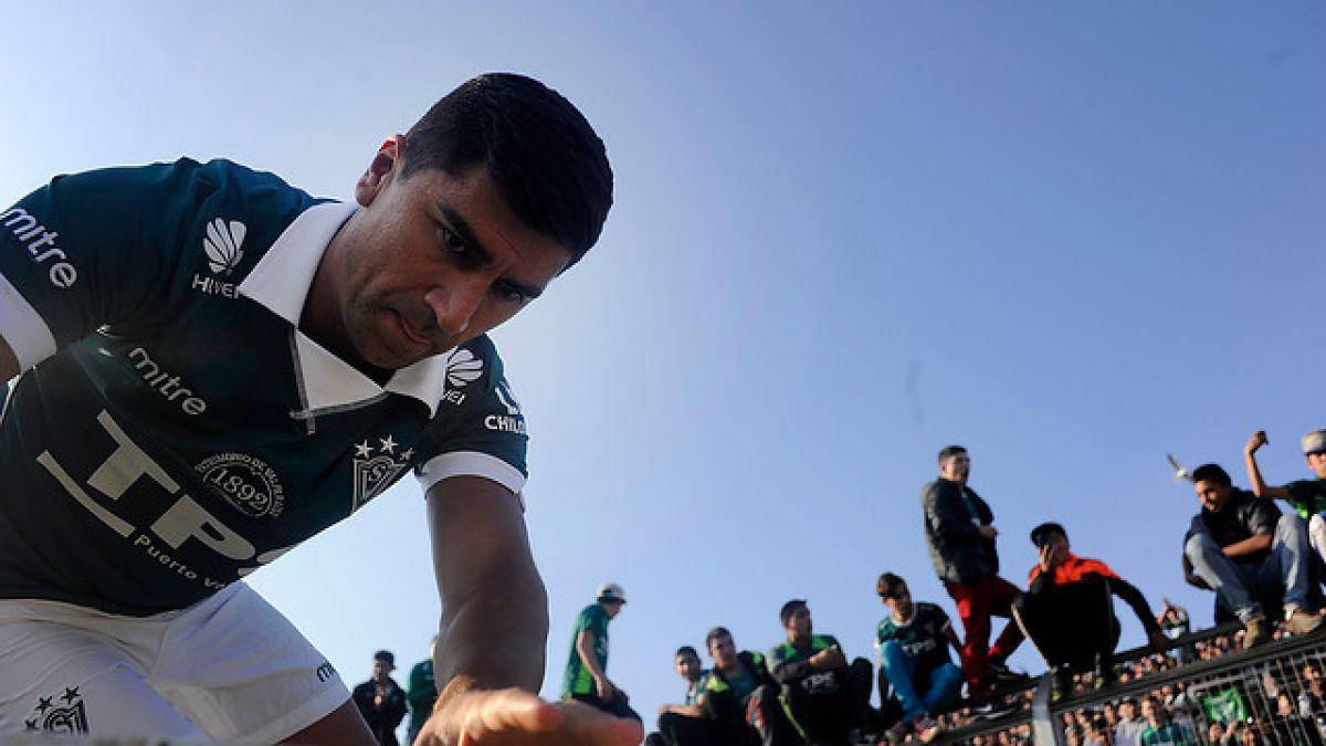 DT de Wanderers opta por cuidarlo: David Pizarro no jugará ante la U