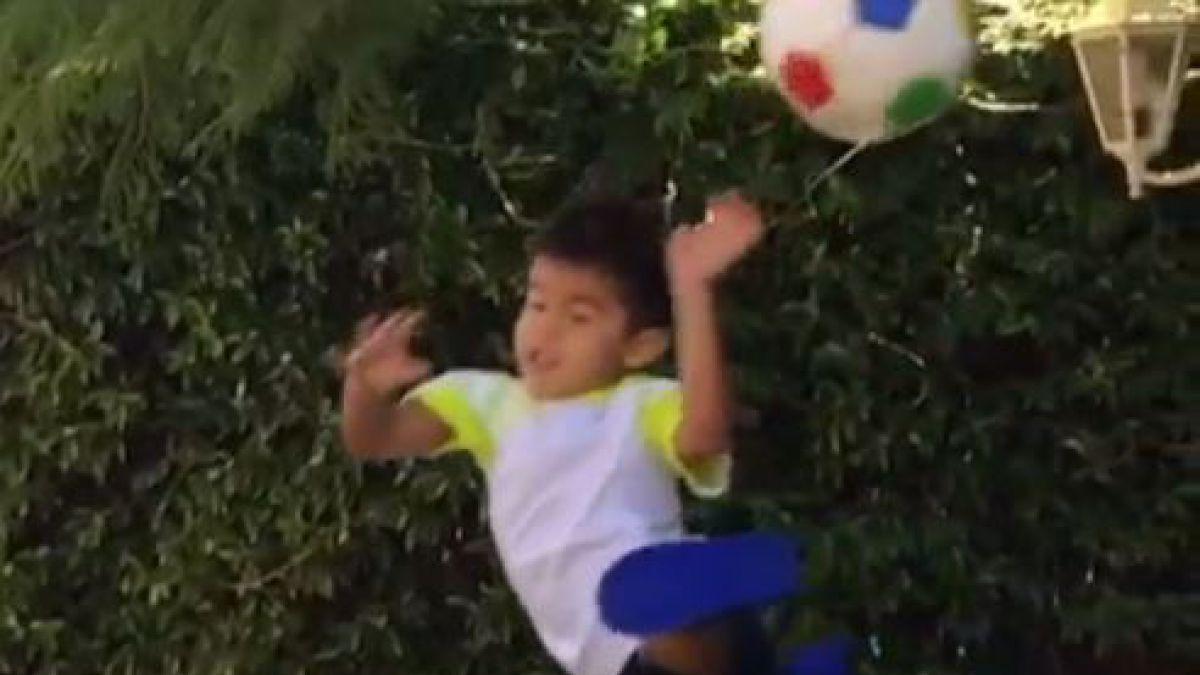 De tal palo a tal astilla: Hijo de Claudio Bravo sorprende con gran atajada a través de Instagram