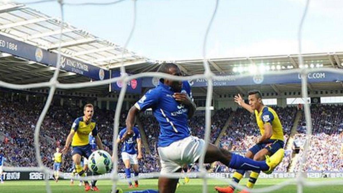 Arsenal recuerda a Alexis a un año de su primer gol en Premier League