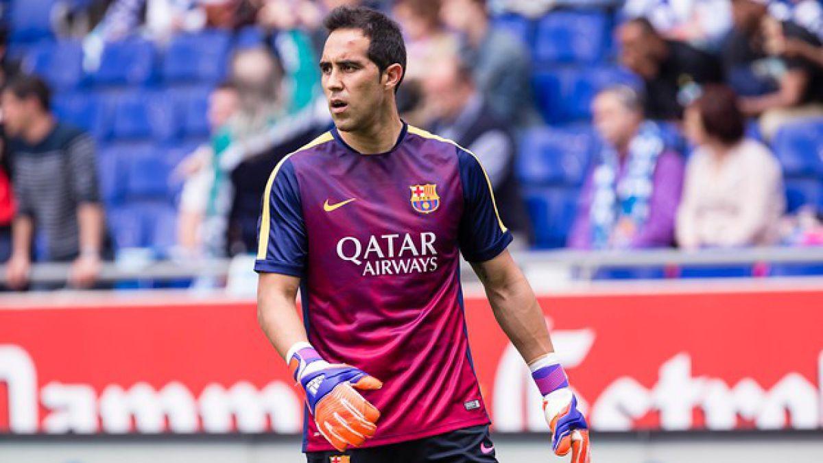 Claudio Bravo entrena en reducida sesión de prácticas de FC Barcelona