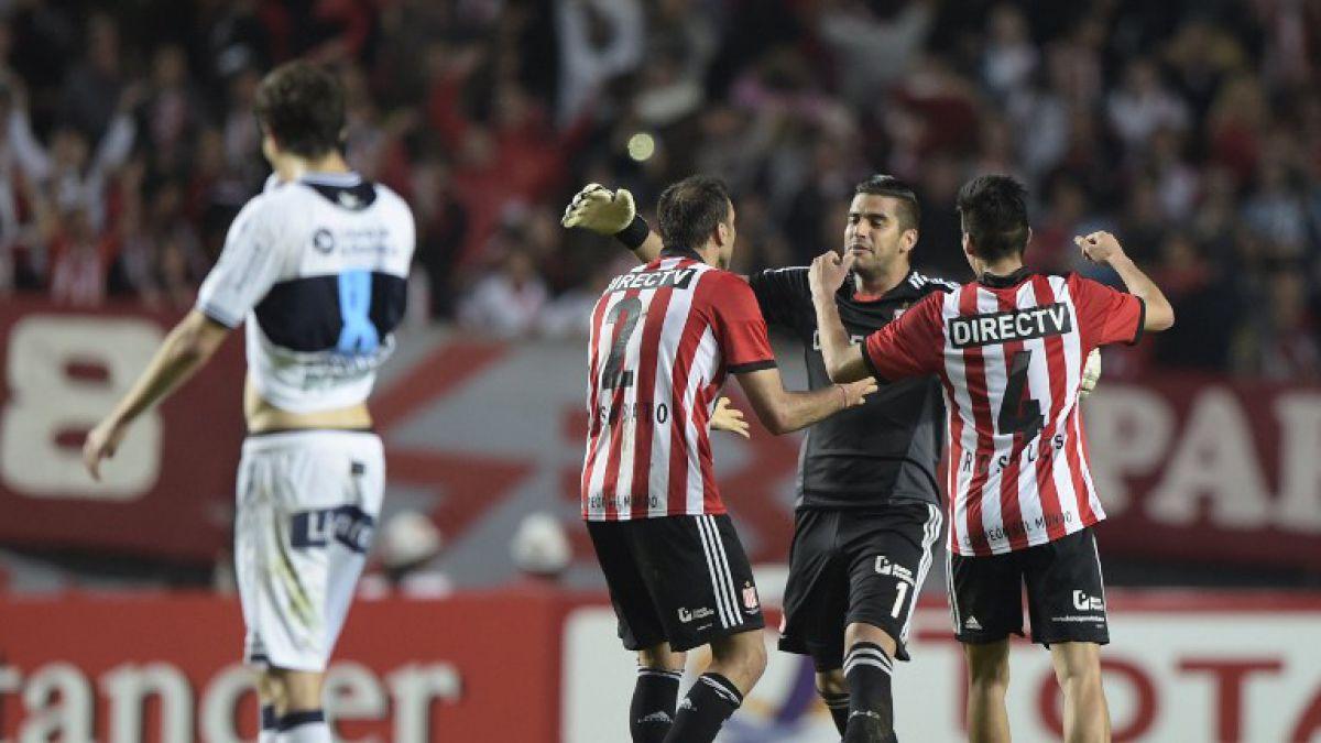"""Ante lesión de Villar en Colo Colo """"aceleran"""" gestión por nuevo arquero"""