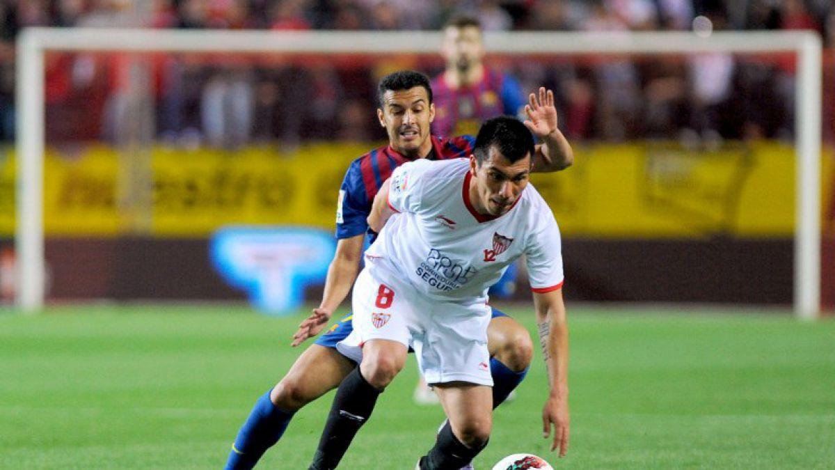 Medios españoles aseguran que el Sevilla irá por el retorno de Gary Medel