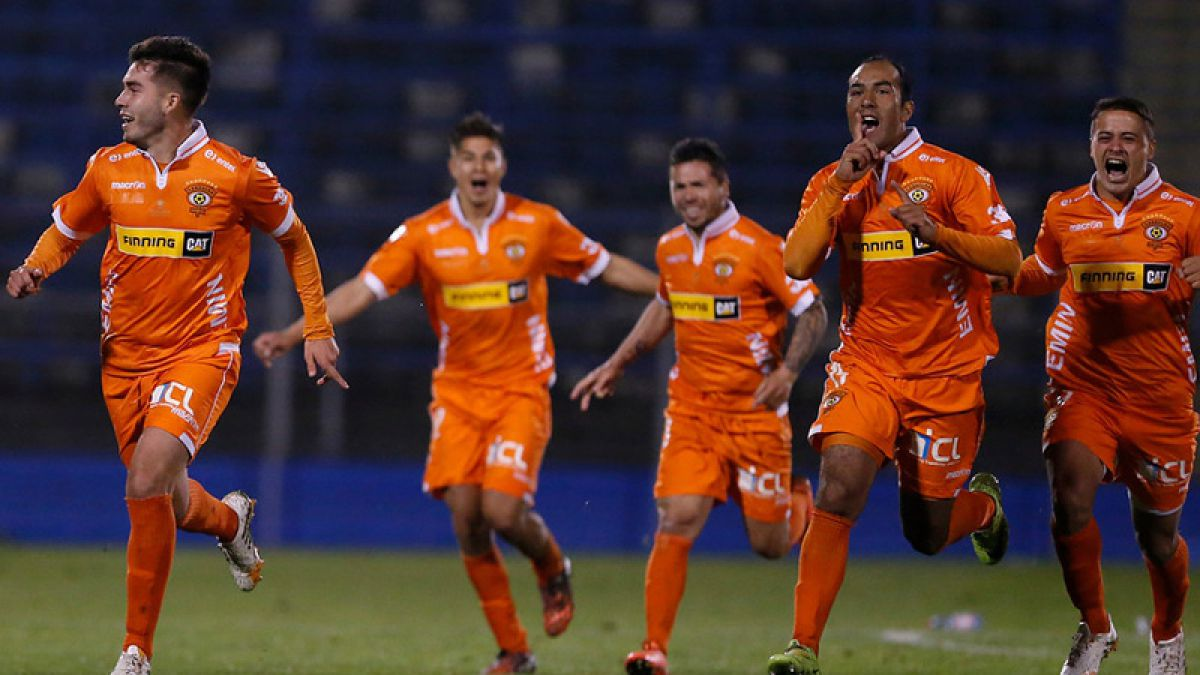 Cobreloa elimina a Católica y saca pasajes a cuartos de final