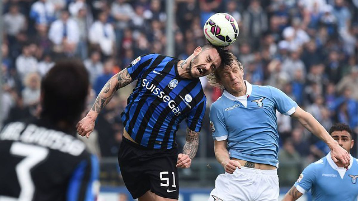 Mauricio Pinilla anota un doblete y se va expulsado en empate de Atalanta