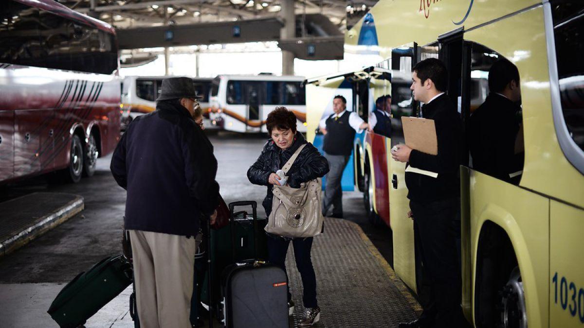 Pasajes de buses: Sernac detectó alzas de hasta 250%