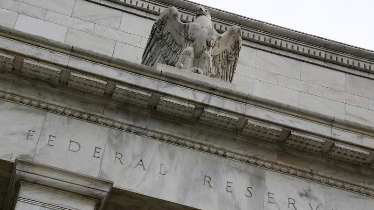 Fed comienza reunión de dos días para decidir sobre alza de tasas