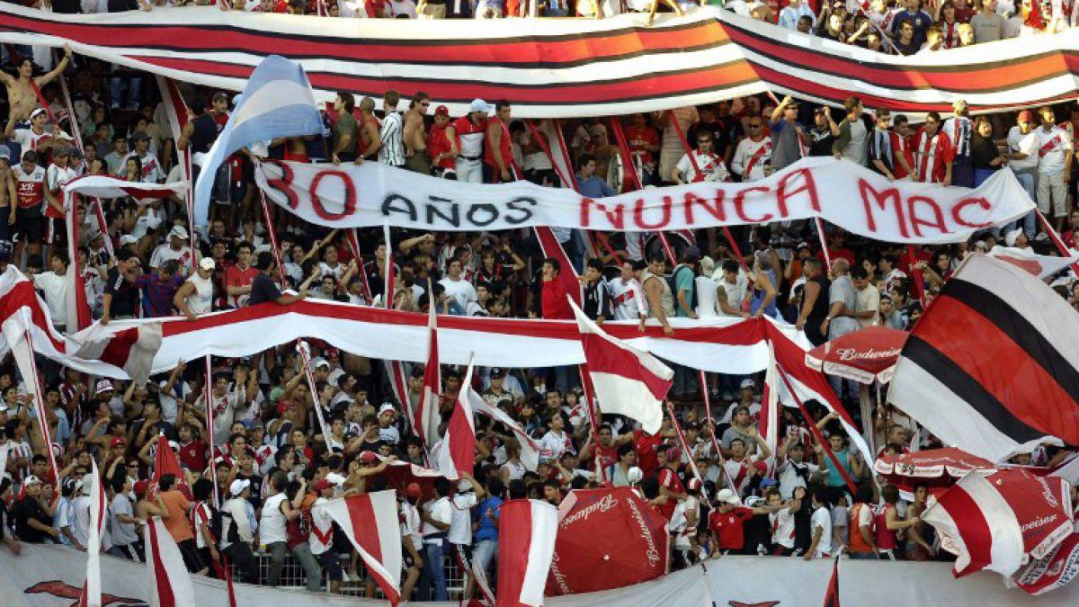 En Argentina probarán regreso de hinchada visitante a los estadios