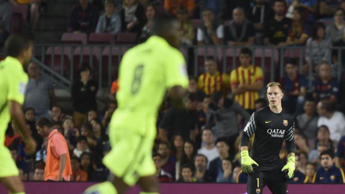 Ter Stegen se defiende tras error y recibe respaldo del DT del Barcelona