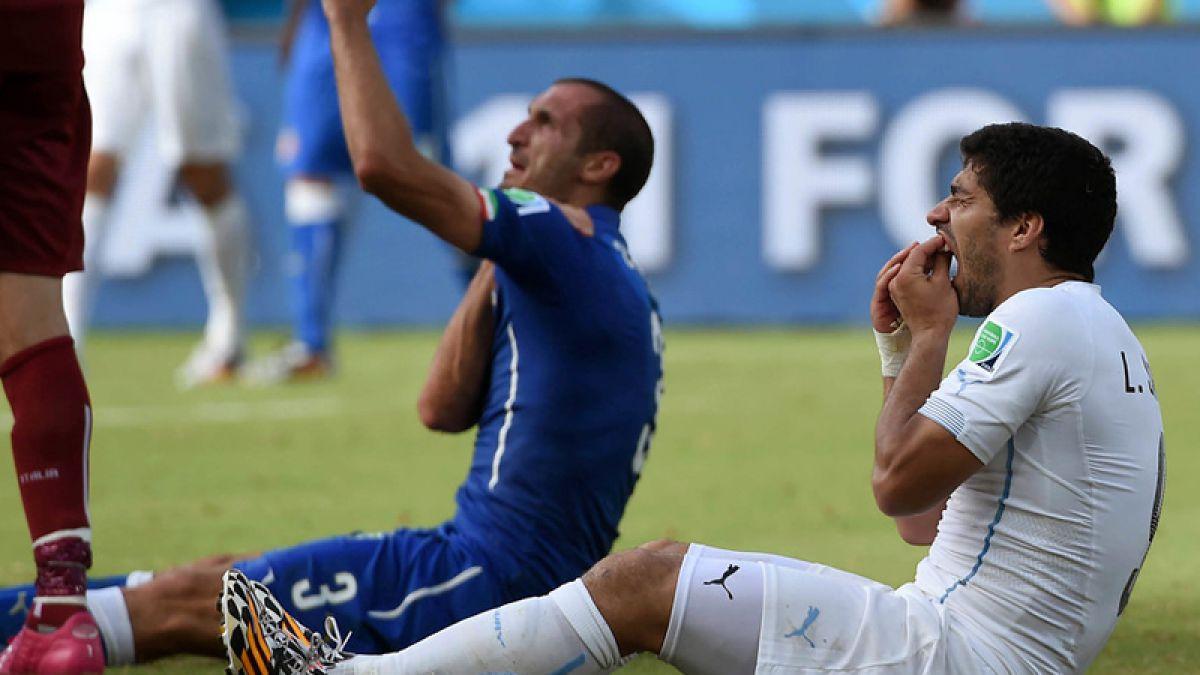 Dirigente de la FIFA pone en duda mordida de Suárez a Chiellini en el Mundial