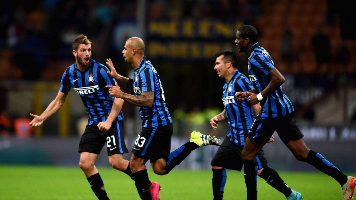 Con Medel de central otra vez: Inter triunfa y sigue como puntero invicto en Italia