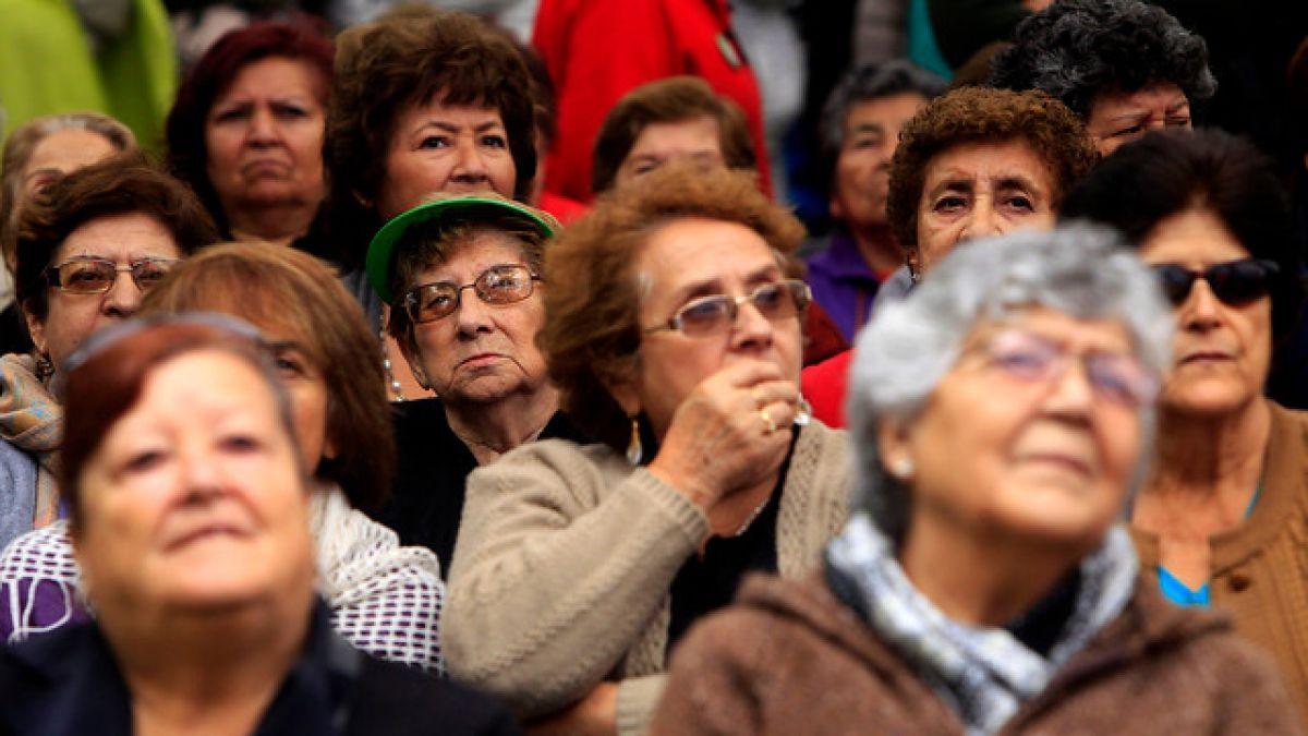 Adultos mayores en Chile:  Con los ojos puestos en el futuro