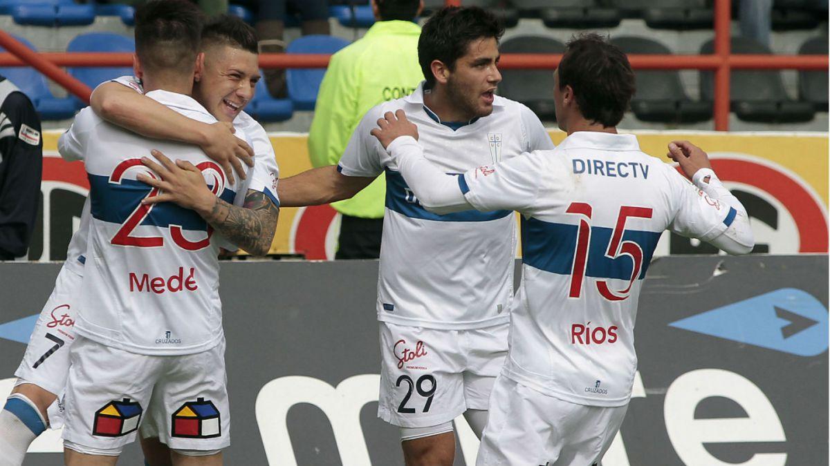 Católica vence a Huachipato y se ubica como escolta de Colo Colo en el Apertura