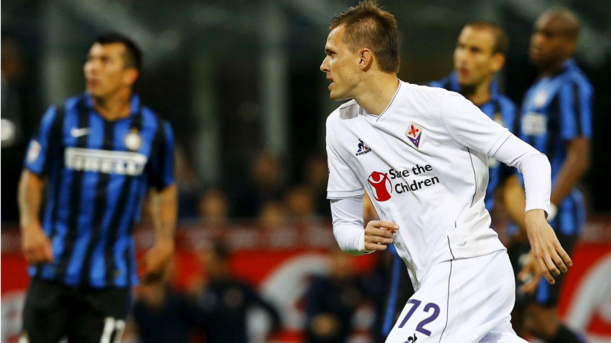 Fin del invicto: Inter con Gary Medel pierden por goleada ante Fiorentina