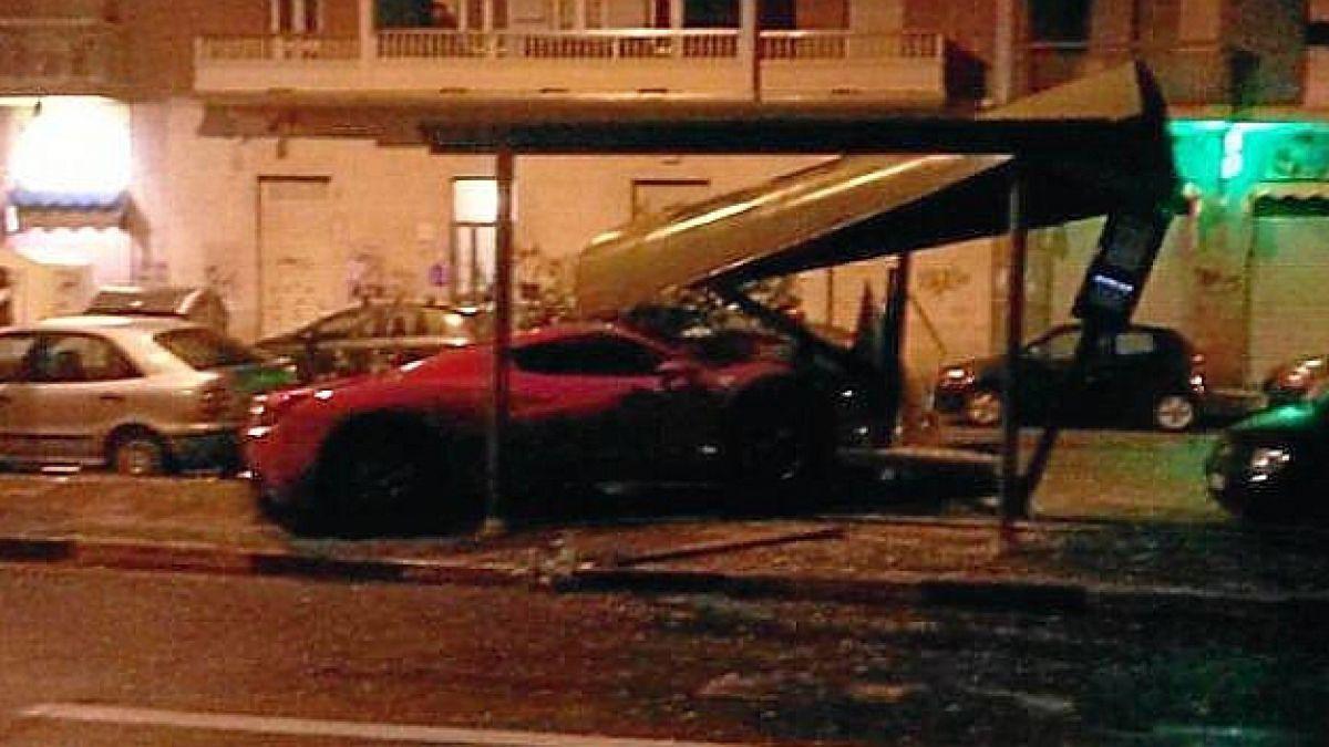 Ex compañero de Vidal choca su Ferrari y es multado por alcoholemia