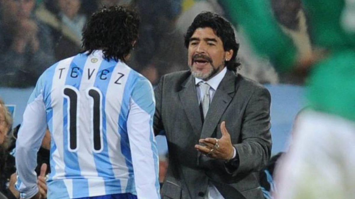 """Diego Maradona: """"Daría un brazo por jugar en Boca con Carlitos"""""""