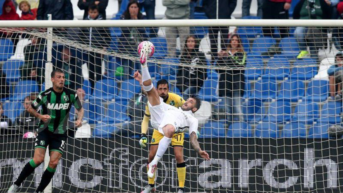 Mauricio Pinilla estará fuera dos semanas tras lesión