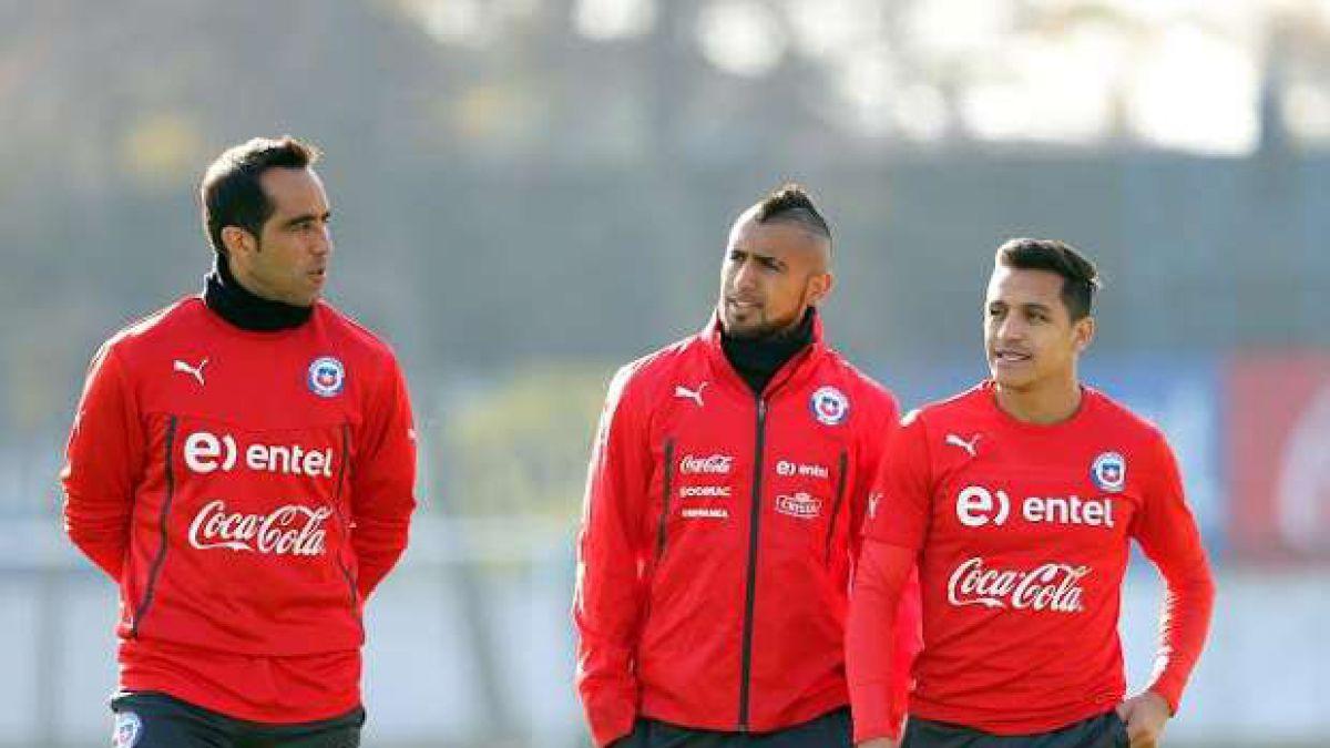 Crece la lista: cinco jugadores chilenos estarían entre los 59 nominados al Balón de Oro