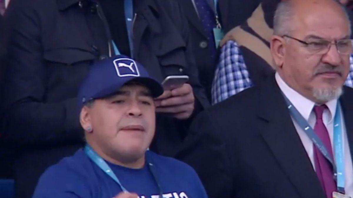 """[VIDEO] Diego Maradona alienta a los """"Pumas"""" ante Tonga en el Mundial de Rugby"""