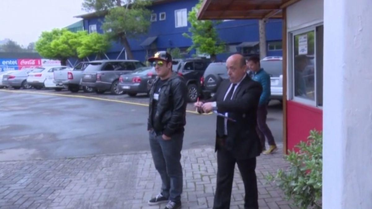 [VIDEO] Youtuber se hizo pasar por seleccionado en Juan Pinto Durán