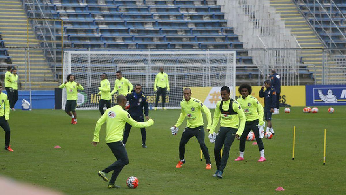 Brasil vive práctica en Chile: Dunga realiza juegos con balón y ensayan penales
