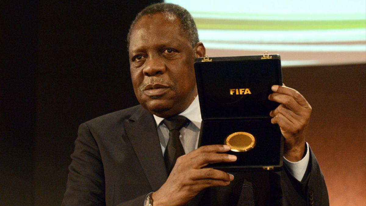 ¿Quién es Issa Hayatou? Conoce el perfil del presidente interino de FIFA