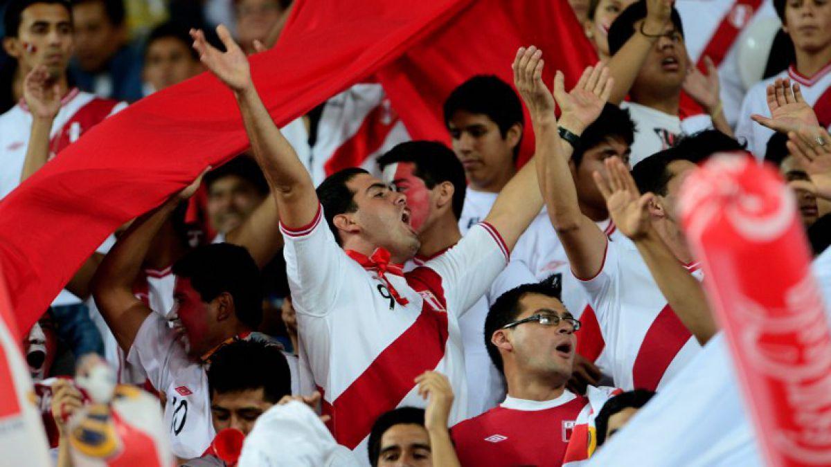 Hinchas peruanos agotan las entradas para recibir a Chile