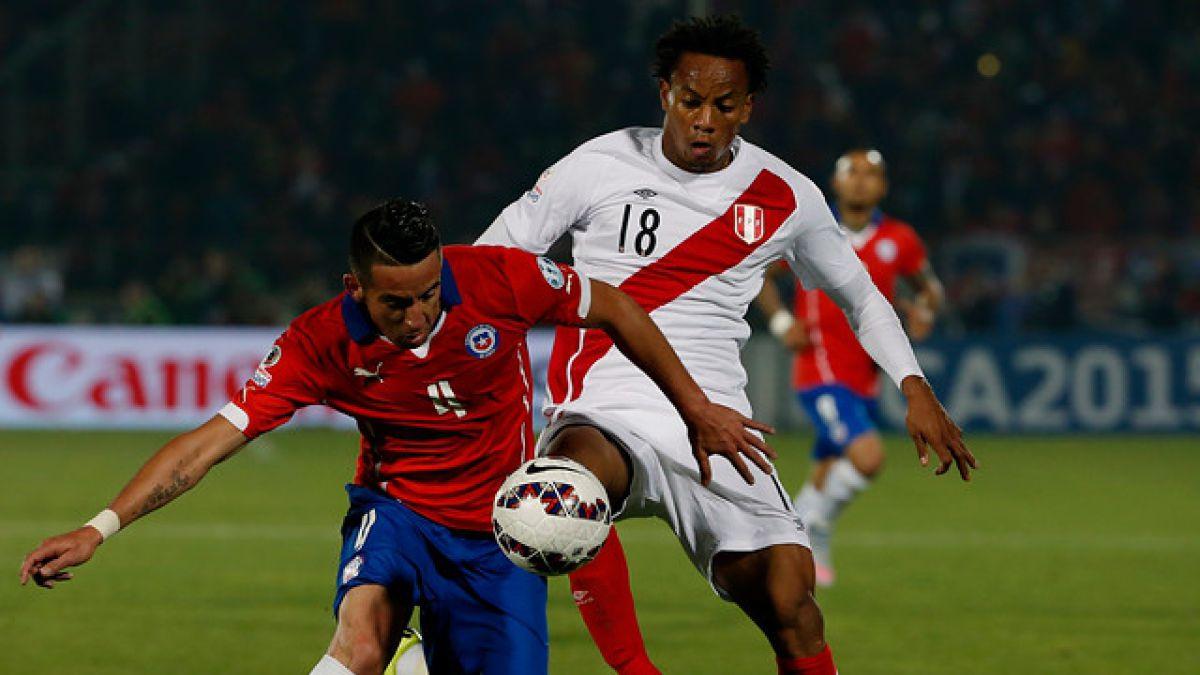Dos jugadores de Perú sorprendidos en una fiesta en antesala de choque con Chile