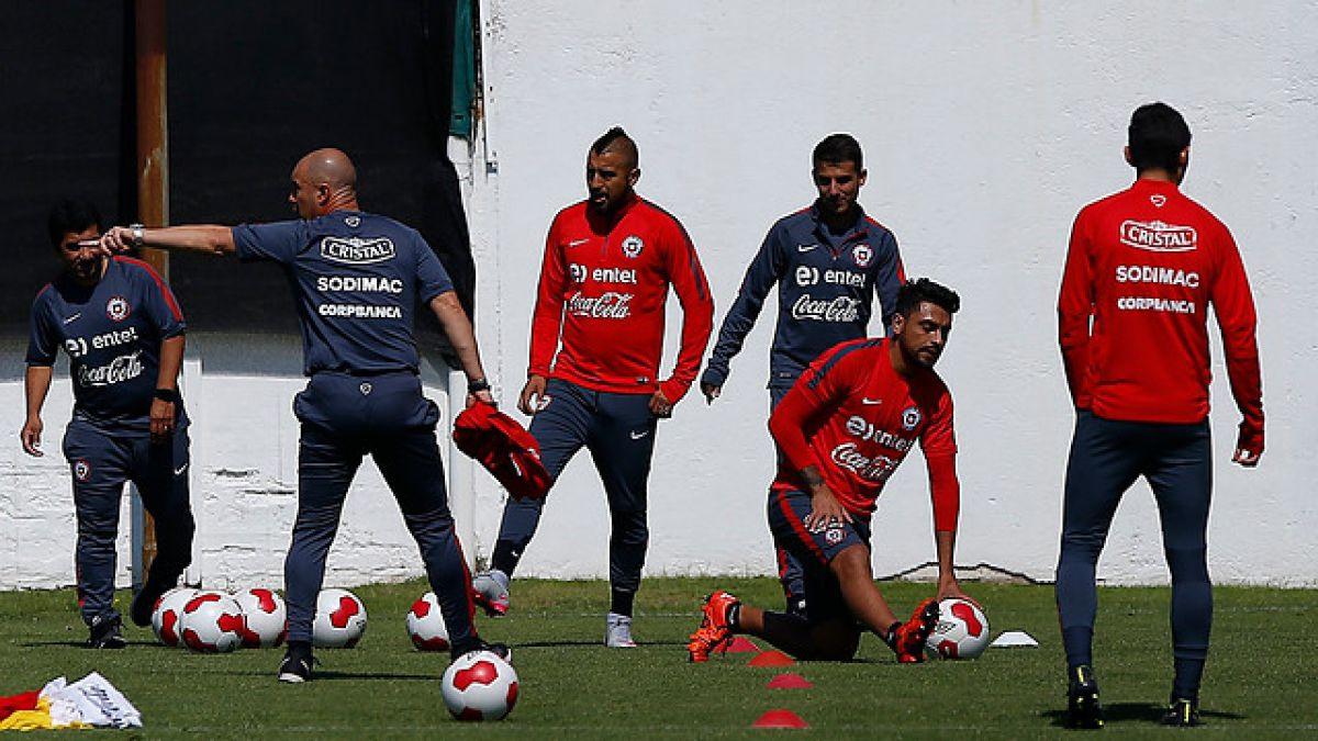Arturo Vidal entrena con normalidad y se esboza oncena ante Perú