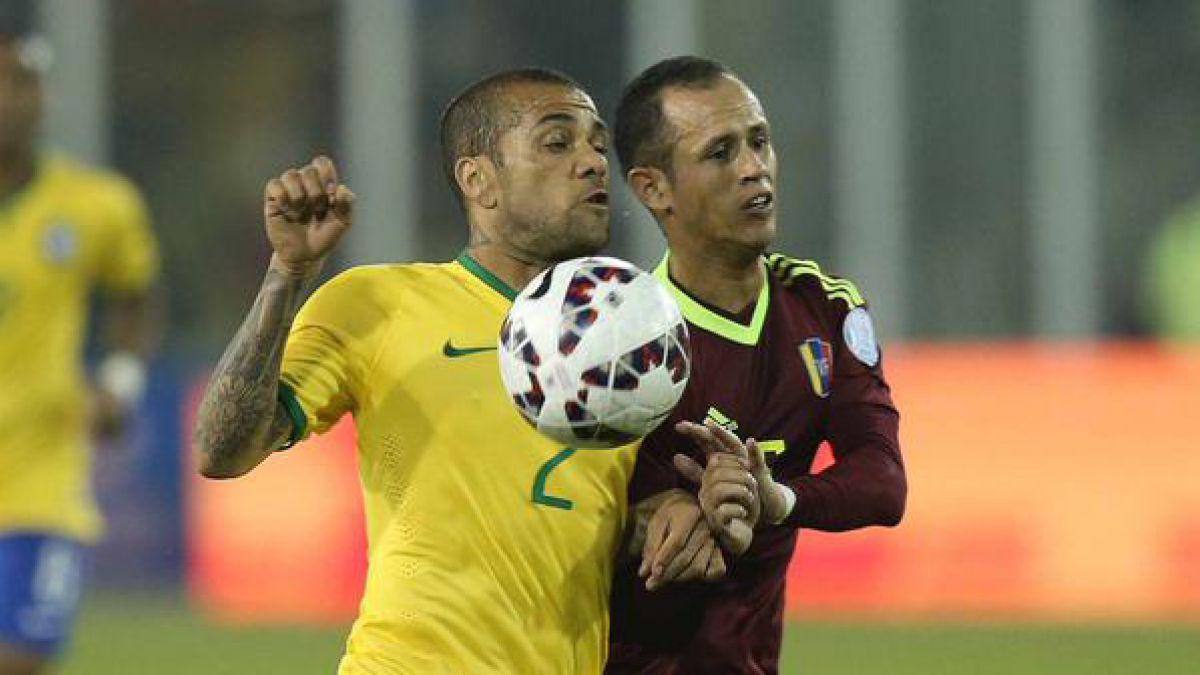 Dunga revela que tuvo que contratar a humorista tras derrota ante Chile