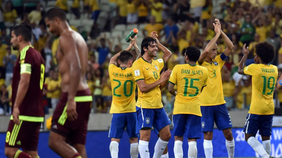 Brasil se sacude de la caída ante Chile derrotando a Venezuela en casa