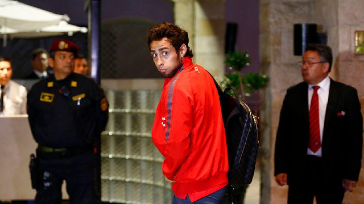 Jorge Valdivia dice que no fue él quien escribió en camarín del Nacional de Lima