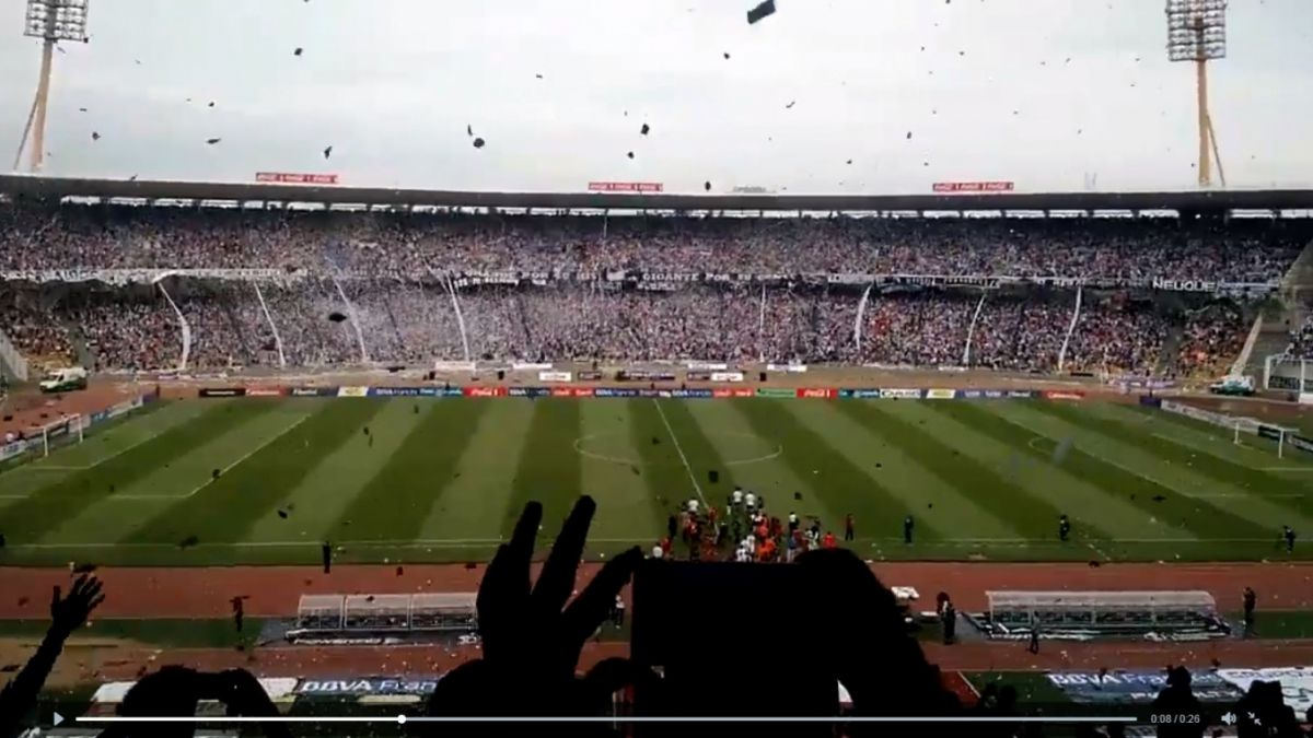 ¡Conmovedor! 55 mil hinchas reciben a club de tercera división en Argentina