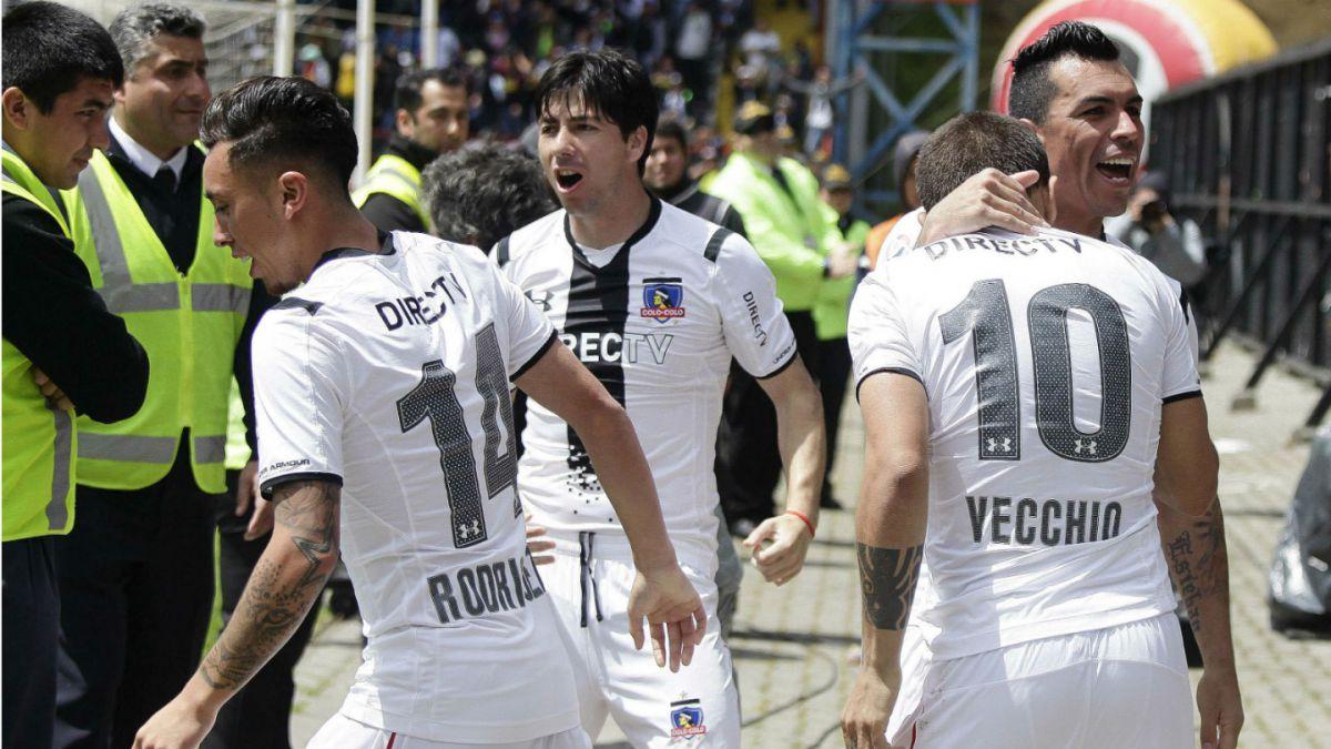 Colo Colo supera a Huachipato con polémica y sigue liderando el Apertura