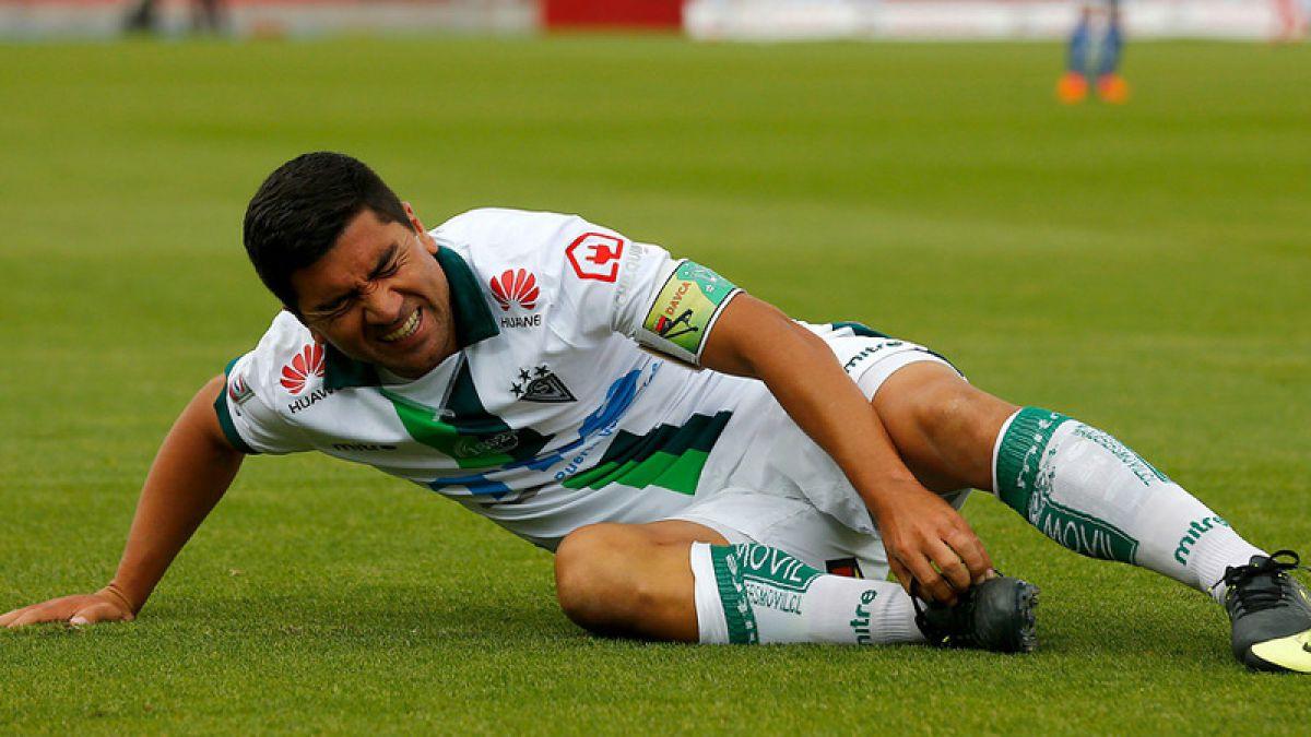 Pizarro y directiva de Wanderers discuten permanencia del volante en el club