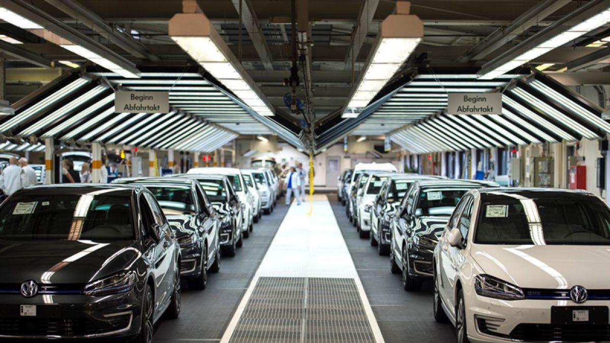 UE flexibiliza límites de emisión de vehículos diésel pese a escándalo Volkswagen