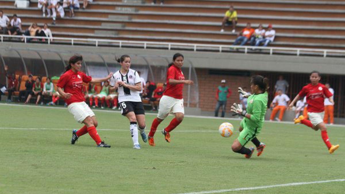 Colo Colo debuta con un triunfo sobre Universitario en la Copa Libertadores femenina