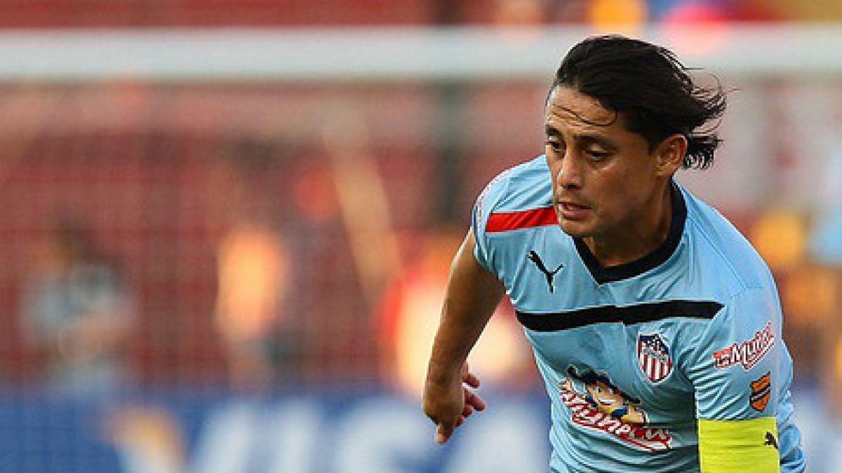 Ex Colo Colo Giovanni Hernández desciende agónicamente con club que dirige en Colombia