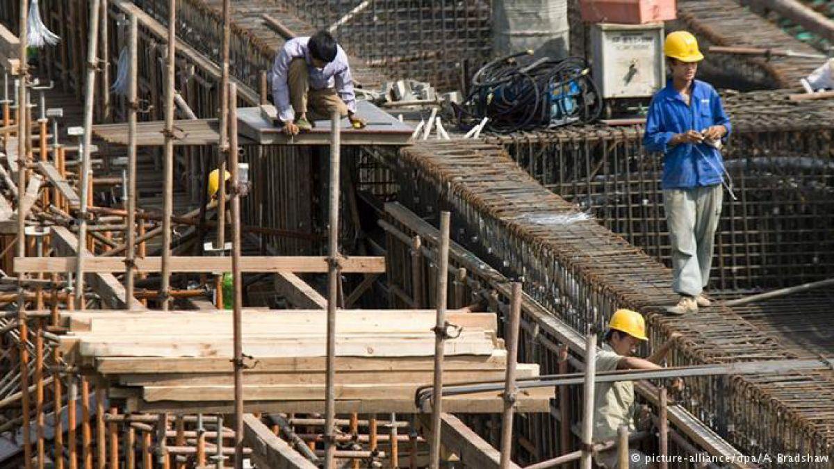 Al menos 17 muertos por derrumbe de edificio en China