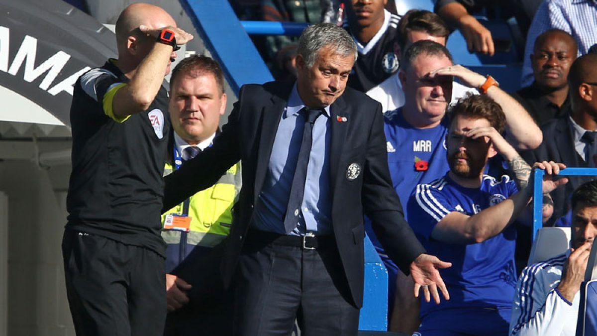 Mourinho acusa a sus jugadores de traidores tras nueva derrota en Inglaterra