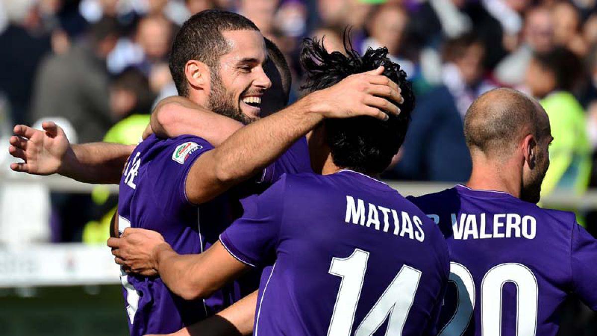 Fiorentina recupera el liderato en Italia con Fernández como titular
