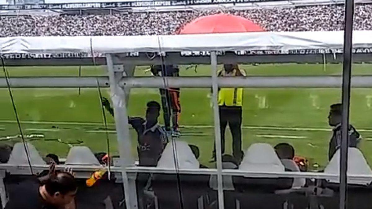 La furiosa reacción de Gonzalo Espinoza tras ser provocado por los hinchas de Colo Colo